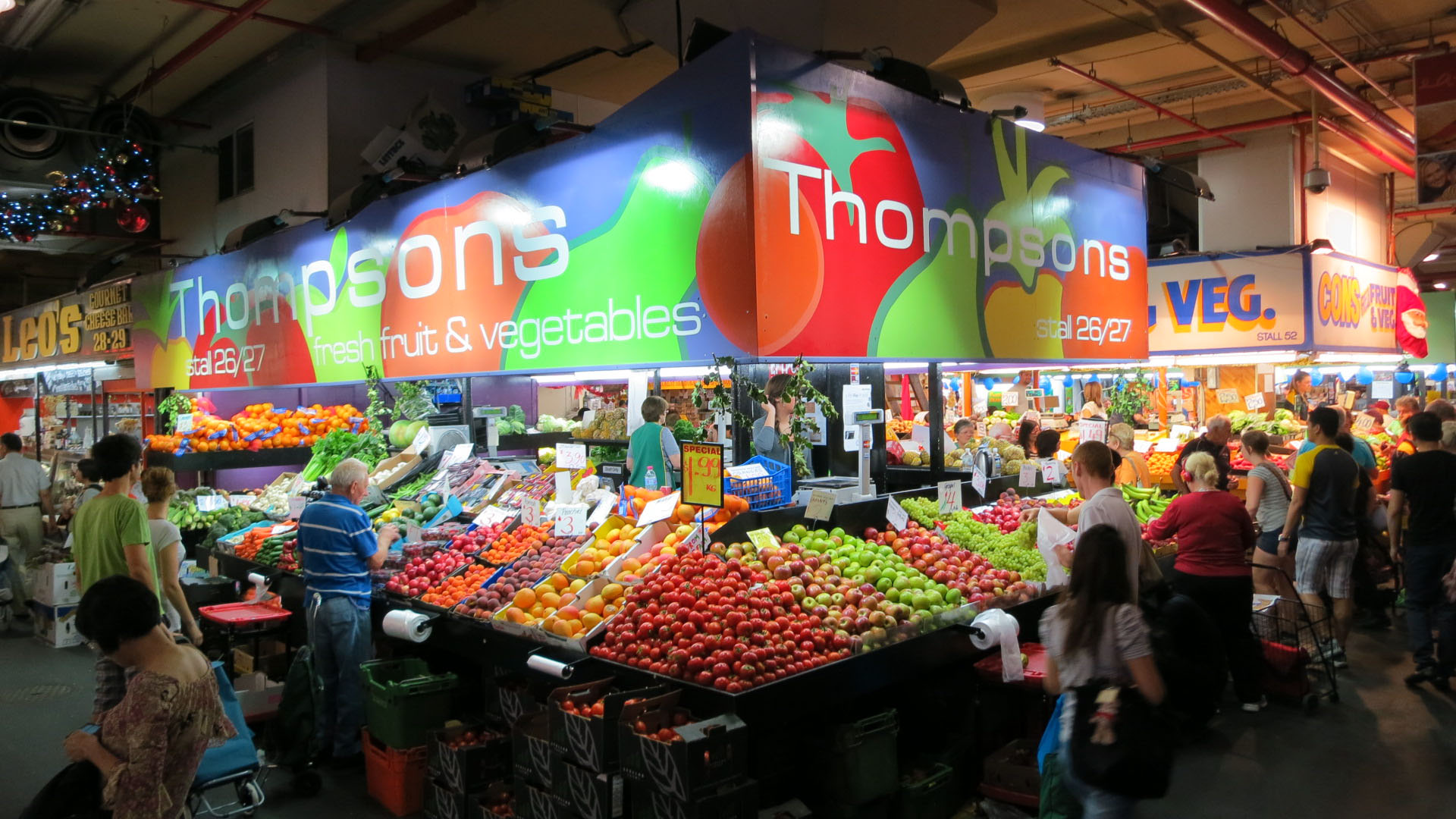 Fruit-and-vegetables-at-the-Central-Markets