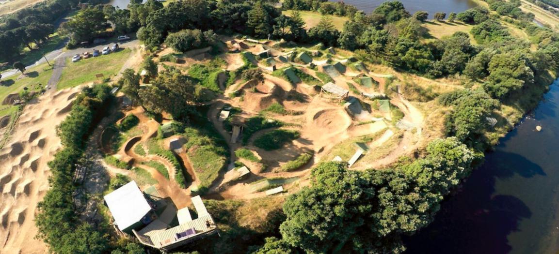 Rotoz dirt Jump Park
